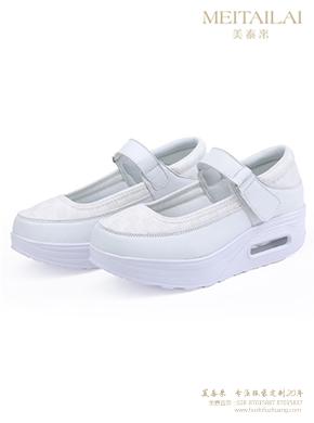 白色厚底带扣护士鞋